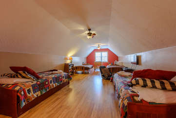 Wildlife Manor Bonus Room with Foosball, 2 Queen Size Futons, 2 Twin Trundle Beds Room sleeps 8, Flatscreen TV, XBox Game System, and Board Games