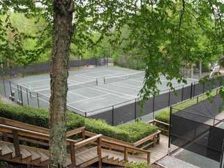 Beech Mountain Club Clay Tennis Courts - Beautiful cool air for playing tennis all summer!