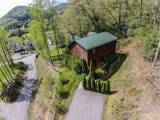 3 Bears Den Aerial View of Parking and Home