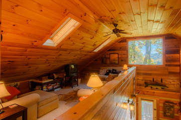 Angels Peak Loft and Vaulted Ceilings above Living