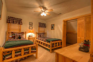 Bean Bag Cabin upstairs Twin Bedroom with 2 Twin Beds