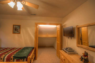 Bean Bag Cabin Twin Bedroom with Huge Closet and HDTV, DVD Player