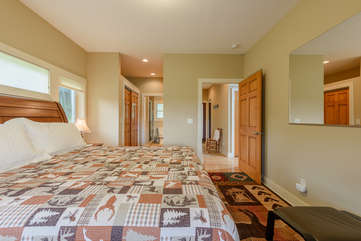 King Master Suite with Bathroom