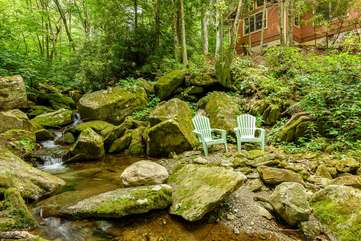 Relax beside the creek at Creekside Comfort