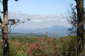 Elk Laurel Huge Views from top of 14 Acre property at end of hiking trail - Enjoy the Views