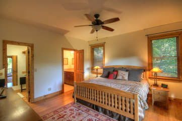 Grandfather Lookout Master Bedroom Suite, Main Level