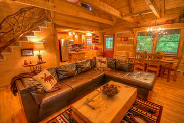 Lazy Bear Cabin Open Floor Plan, Comfortable Leather Seating