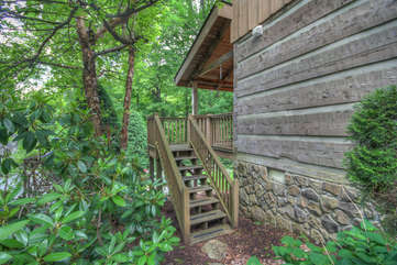Lazy Bear Cabin stairs from Back Porch to Back Yard