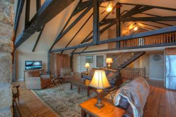 Majestic Mountain Haus Great Room on main level with Leather Sofas