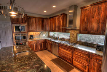 Whispering Hills Spacious Custom Kitchen With Granite, Stainless, View Windows
