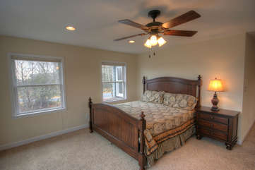 Whispering Hills Upstairs Master Suite with King Bed