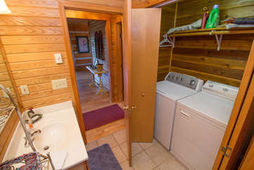 Washer and dryer on main floor