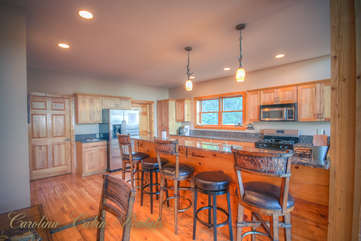 Pinecone Manor Kitchen Bartop Island with 5 Barstools for additional Dining