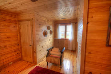 Eagles Nest Second Upstairs Suite with Two Queen Beds and Private Full Bath with Shower
