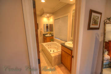 21 Linville Ridge Jack and Jill Bath Shared by 1 and 2 with 2 Vanitites, Separate Tub / Shower