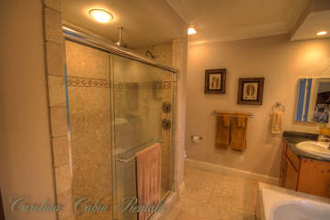 21 Linville Ridge King Master Suite Bath with Large Jetted Tub, Separate Tile Shower