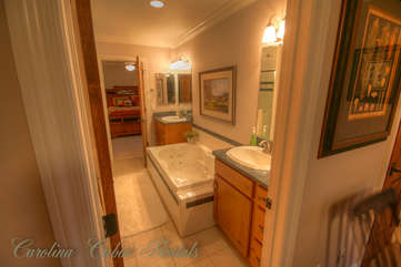 21 Linville Ridge King Master Suite Bath with Large Jetted Tub, Separate Shower