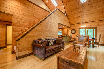Kingfisher Living Area with open Loft above