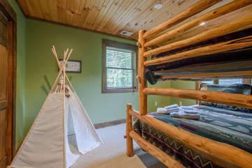 Upstairs Bedroom with Bunk Beds, Full size on bottom, Twin on top