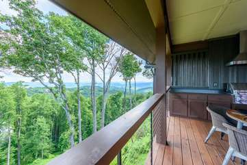 Panoramic Long Range Views From Quiet Covered Deck