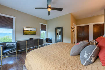 King Master Suite with FlatPanel HDTV