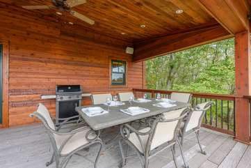 Outdoor Dining and Gas Grill