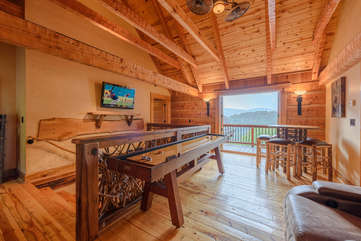 Upstairs Loft Den with Shuffleboard Table and HDTV