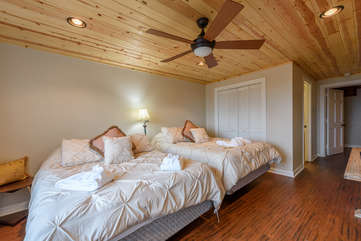 Downstairs Suite with 2 Queen Beds, Full Bathroom, and HD Smart TV