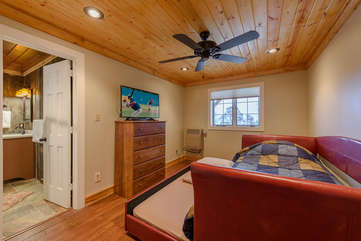 Downstairs Bedroom with Twin and Twin Trundle Beds, HDTV