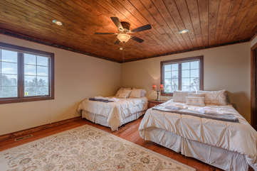 Large Corner Bedroom with 2 Queen Beds on Main Level