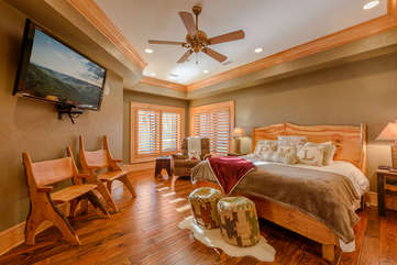 Phoenix Mountain Lodge Downstairs King Suite with 60-inch HDTV