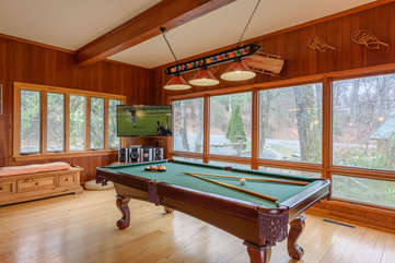 Pool Table, TV at Colonel Weber's Lodge