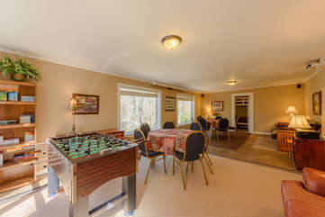 Beech Mountain Lodge Family and Group Gathering Room with Projector with surround sound and Foosball table