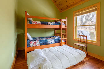 Bunk room sleeps 3 with trundle bed