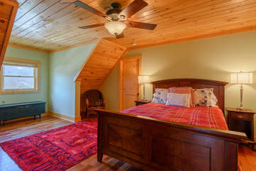 Queen Bedroom upstairs with private bath