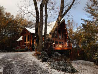 Spice Mountain Lodge in early Fall snow
