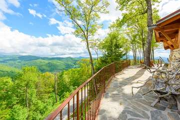 Spacious Patio with incredible views at The Rock