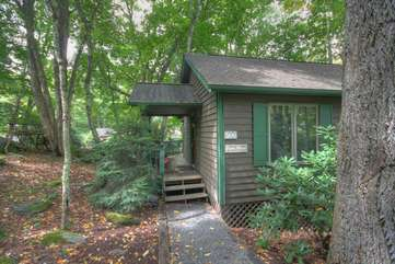 Step Up onto Covered Front Porch at Pow Wow Cottage