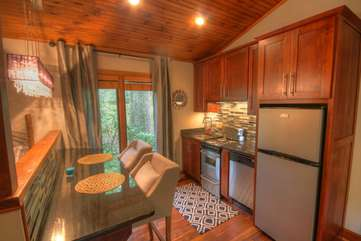 Full Kitchenette with Stainless Fridge/Freezer, Dishwasher, Oven/Cooktop and more!
