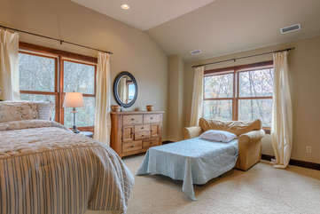 Pull-out twin bed in Master Bedroom