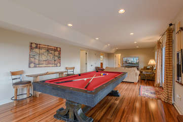 Downstairs Rec Room with Pool Table, TV