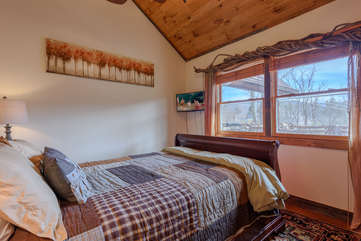 Third Bedroom with Queen Bed, HDTV, Mountain Views