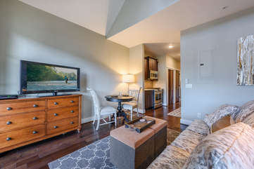 Cozy Space for Two in Condo 303B