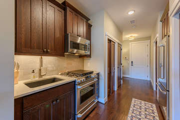 Efficiency Kitchen with Gas Stove