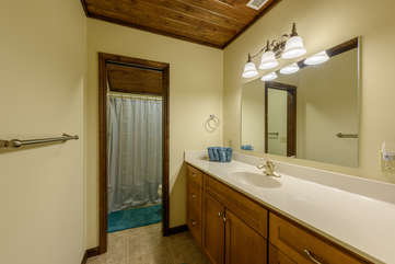 Banner Elk Lodge Master Bathroom