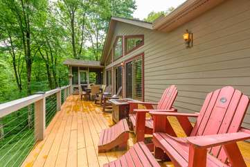 Comfortable Seating on deck at Linville Ridge Retreat