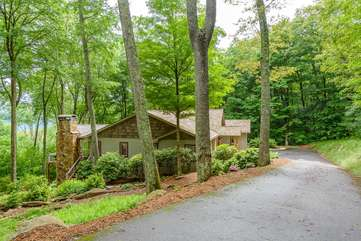 Linville Ridge Retreat in quiet wooded setting