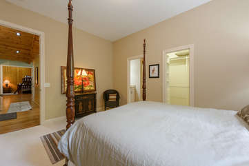 Second Queen bedroom with private bath