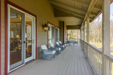 Comfortable Seating,Outdoor Dining for 4 on Back Porch