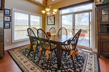 Dining Table with Mountain Views!